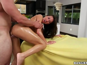 Lizz Tayler enjoys getting her moist slot slammed