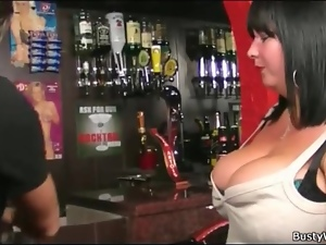 Seduction of a sexy fat girl in the bar