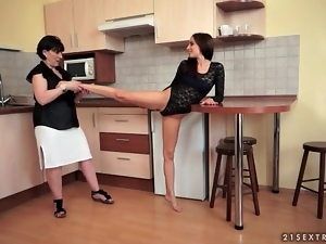 Teenage ballerina lets milf lick her pussy