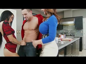 Deauxma sucks dick with Gulliana Alexis