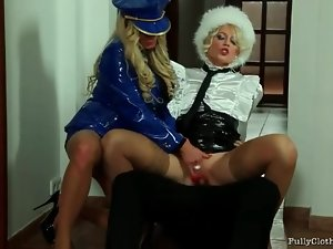Girls in gloriously sexy outfits threesome scene