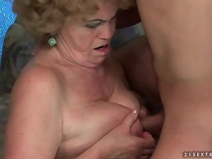 Hardcore mature sex with cock in hairy box