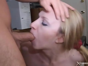Banging cutie in the home office and cumming
