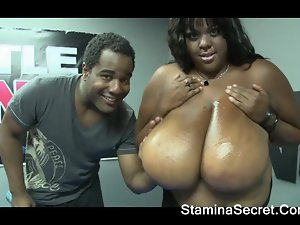 Hot Ebony Minxx Got A Big Boobs
