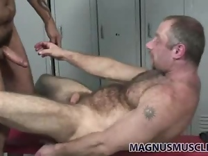 Two hot bears fuck in the locker room