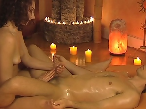 Perfect oily handjob and massage