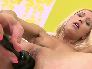 Sexy blonde gets off with an inflating toy