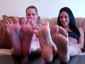 Sexy feet cock teasers on camera