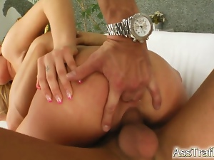 Jessica gets her round ass fucked by two guys