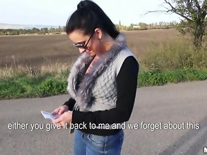 Highway blowjob from a juicy chick Zuzana