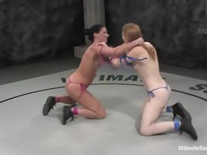Three chicks are in a severe lesbian catfight