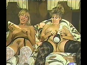 Two Kinky Blondes Play with Toys and Go Vintage Hardcore