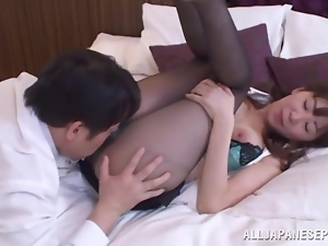 Delicious Japanese doll is pleasing her boss in the motel