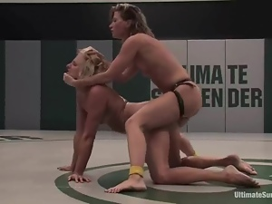 Two blonde chicks toy their wet pussies after fighting