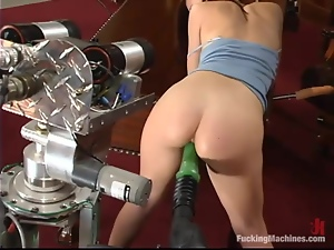 Sarah Blake gets her pussy pounded by a fucking machine
