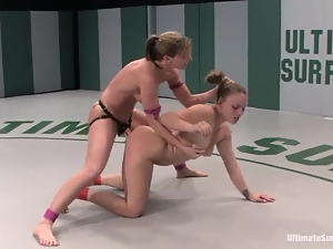 Kirra Lynne gets toyed rough by unstoppable Ariel X