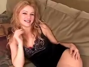 Blondie in nylons loves a hot cowgirl pose