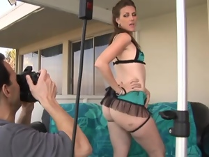 Playful Miss Lady forgets about everything, when naked and sexcited