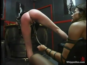 Kym lures Lana Lynx in the basement and humiliates her