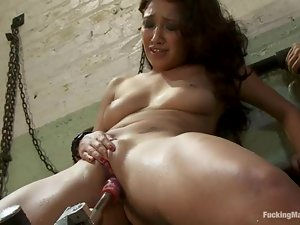 Petite Vicky Chase gets her pussy filled with water and toyed