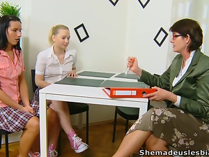 Private teacher comes and seduces her kinky students