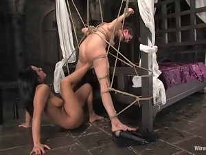 Princess Donna Dolore pleases Sandra Romain with footing in BDSM clip