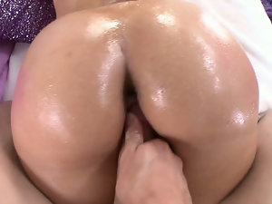 Kelly Divine Gets Fucked in her Big Ass. Part 2