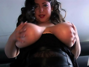 Classy big breasted MILF bitch dildoes her chubby cunt