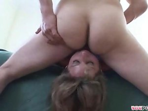 Chubby Milf shows how its done