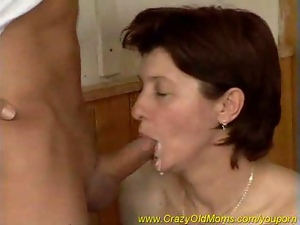 hot sporty mom fucking hard