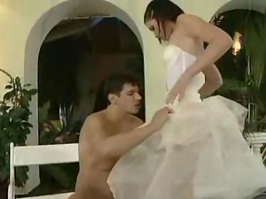 Hot Brides Get an Outdoor Pussy Licking