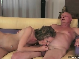 Fucking her young pussy makes grandpa cum