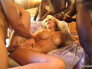 White whore likes black cocks in her asshole