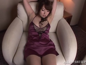 Pleasurable Japanese girl gets toyed with a vibrator