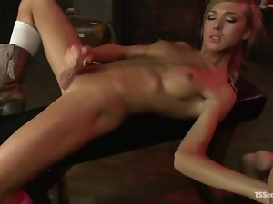 Aubrey Katet the blonde tranny fucks a barmen in a bar
