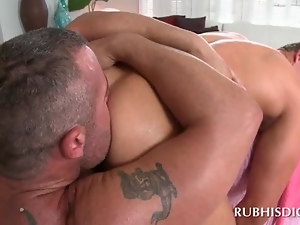 Gay masseur cant keep his dick out of this tight ass