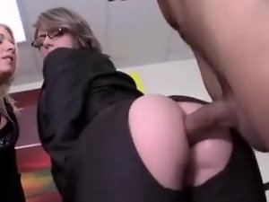 Superb blonde chick gets fucked in her ass and pussy