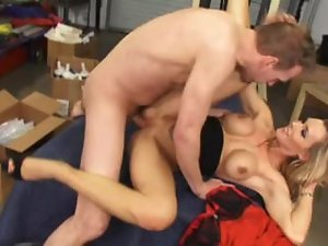 Gorgeous blonde girl shakes her ass and rides a dick