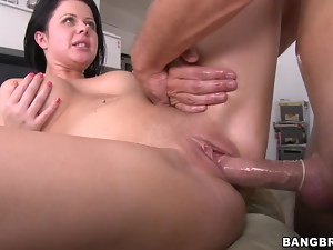 Loni gets her body massaged and her pussy stunningly drilled