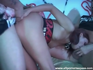 Slut in leather jacket and collar banged in threesome