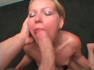 Blonde amateur loves cumshots on her tongue