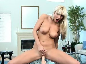 Blonde milf babe spreads her wet pussy for closeup