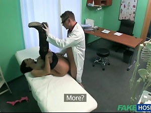 Babe fucked and cummed with fraud doctor