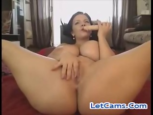 Busty camgirl fucks orgasms pussy with toys freesexcams