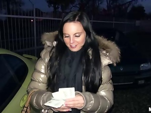 Tereza accepts cash for public sex