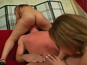 Estella & jessi sucking cock
