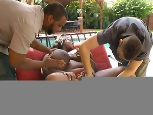 Monster tits ebony played outdoors
