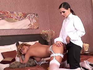 Eve angel fucks dorothy black