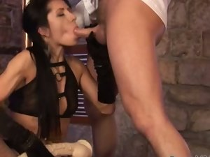 Carla's pussy gets wider with every thrust