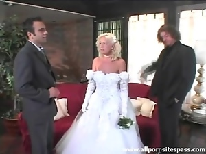 Beautiful bride sucks dick after the wedding